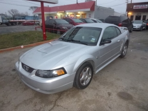 2004 Ford Mustang Photo 1
