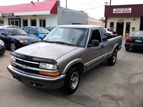 1998 Chevrolet S10 Photo 1