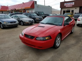 2002 Ford Mustang Photo 1
