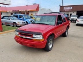 2002 Chevrolet Blazer Photo 1